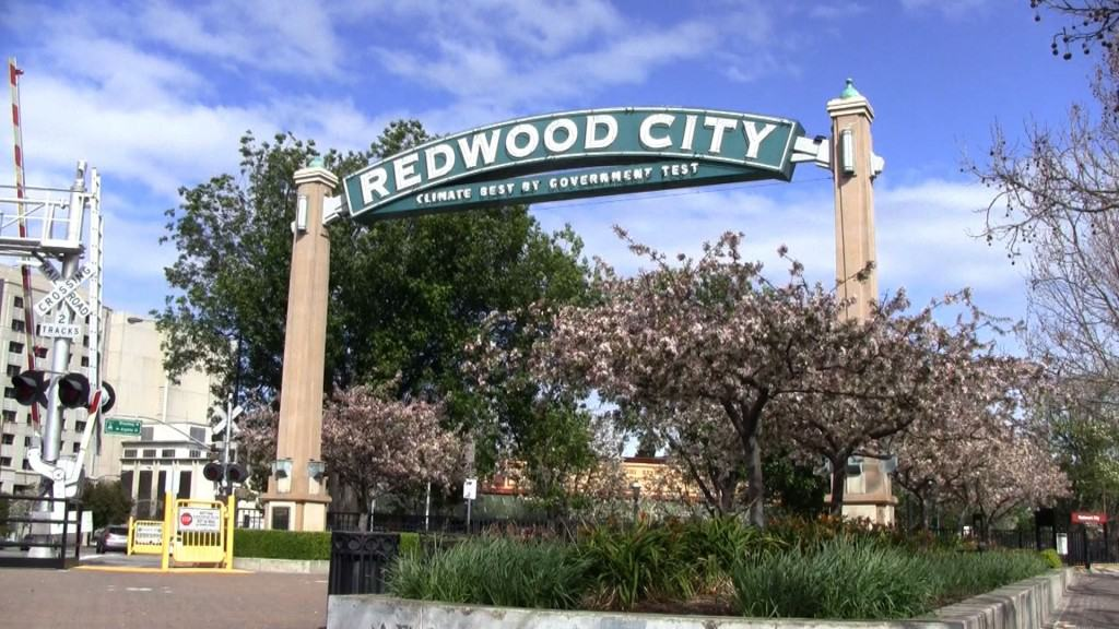 Redwood-City-Sign